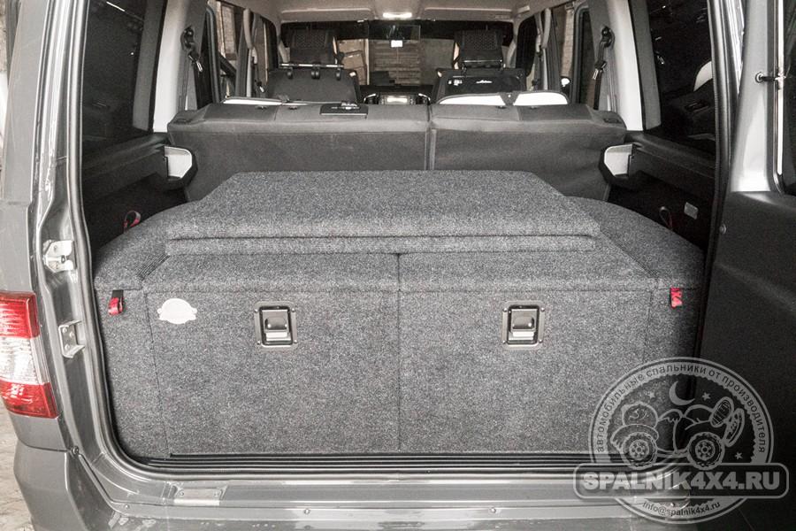 УАЗ Патриот 2021 года. Автомобильный спальник стандартной комплектации
