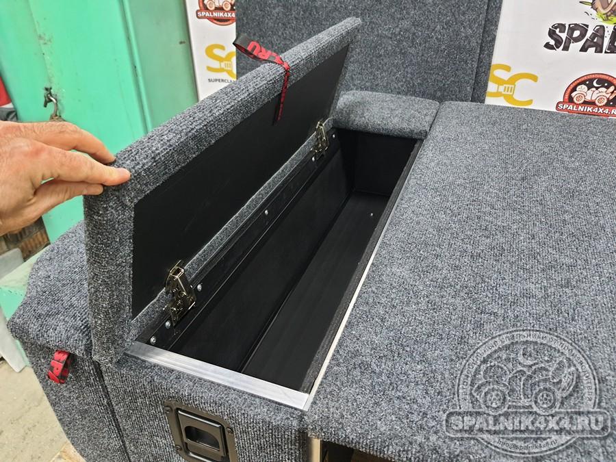 Автомобильный спальник для Тойота Ленд Крузер 100 с возможностью размещения запасного колеса
