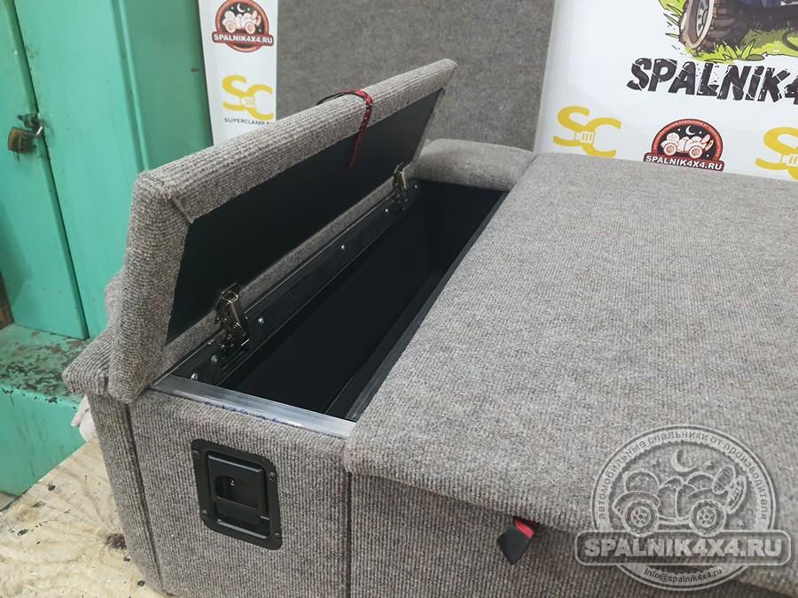 Lexus GX470 - автомобильный спальник с размещенной в багажнике запаской. ГБО на стандартном месте запасного колеса