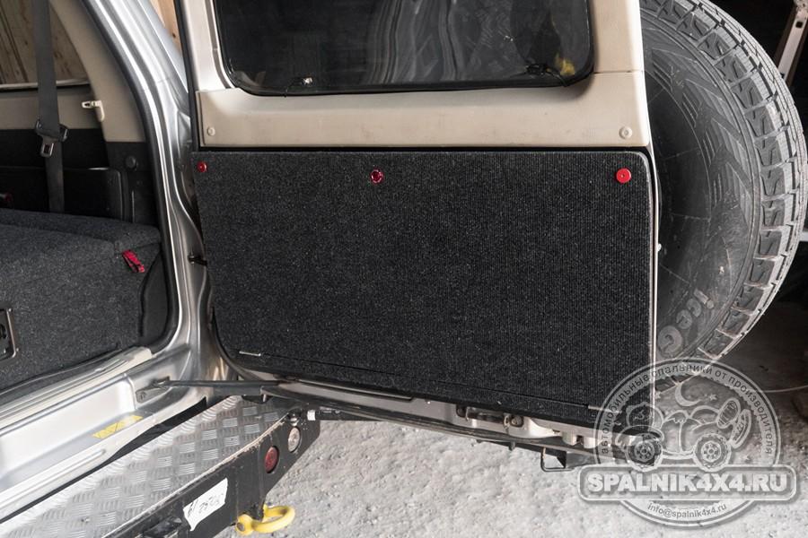 Стандартный спальник для Nissan Patrol Y61 + откидной столик на заднюю дверь