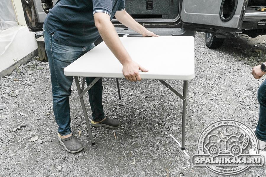 Стандартный автоспальник с интегрированным столом для Тойота Ленд Крузер 105