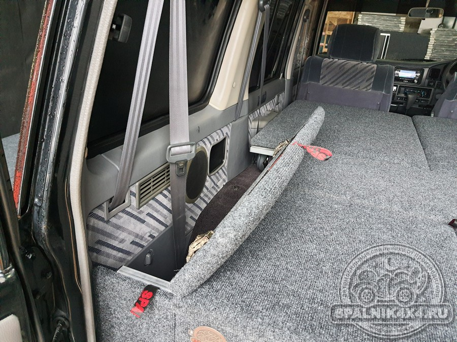 Автомобильный спальник стандартной комплектации для Тойота Прадо 78