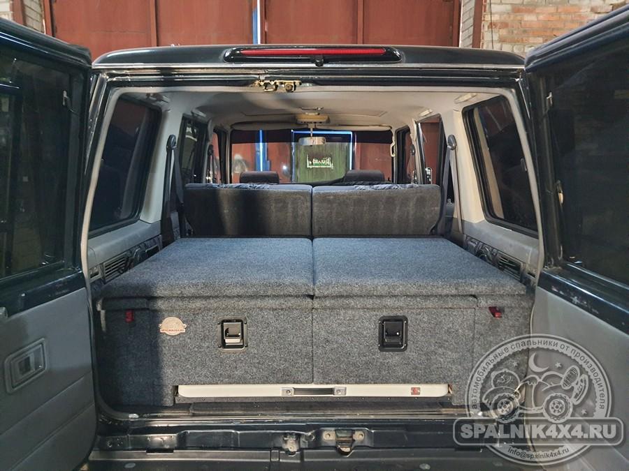 Автомобильный спальник для Тойота Прадо 78 с интегрированным раскладным столом