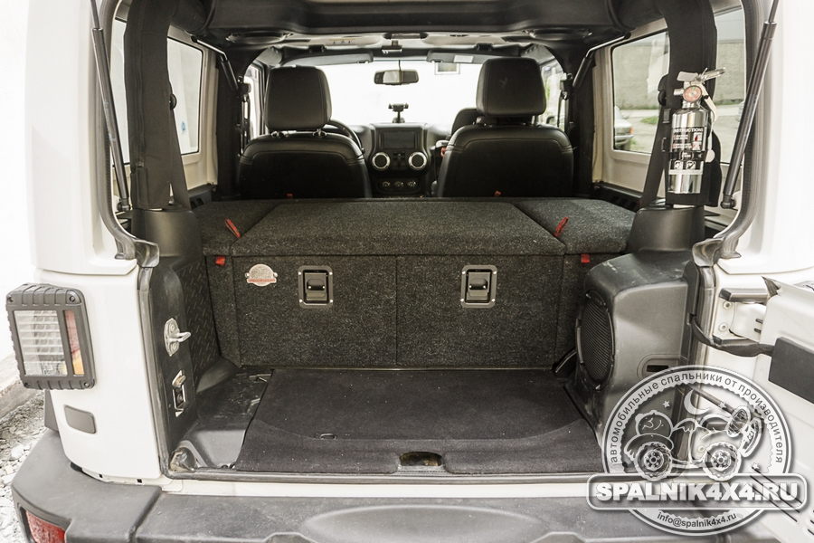 Нестандартный органайзер для трехдверного Jeep Wrangler