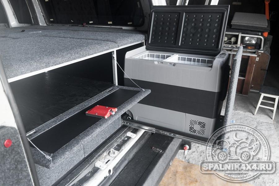 Ford E350 автомобильный спальник с интегрированным холодильником. Кемпер на базе автобуса
