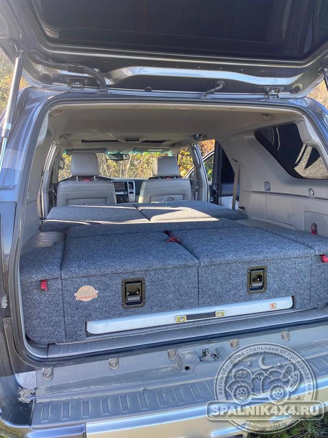 Автомобильный спальник с интегрированным столом для Тойота 4Runner четвертого поколения